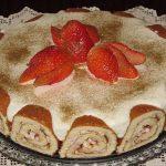 Doce de natas com torta de morango